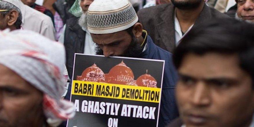 Babri Camisi yerine Hindu tapınağı yapılması Müslümanları sindirme çabasıdır