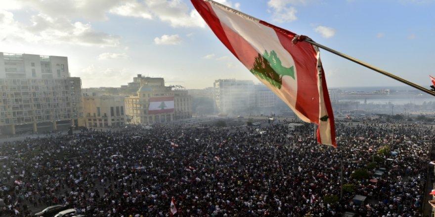 Lübnan Başbakanı Diyab istifa etti
