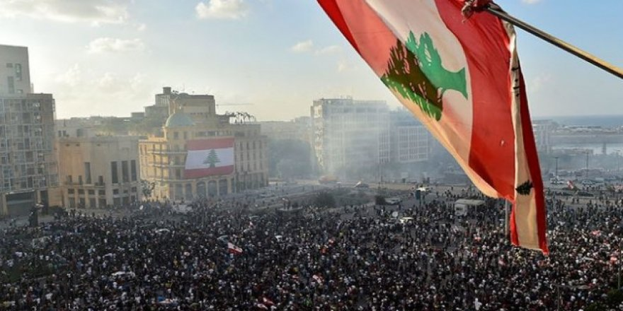 Lübnan'da hükümetin istifasının protestocular için anlamı yok