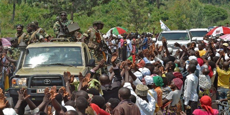 Burundi'de Cumhurbaşkanının konvoyuna taş atan 3 kişiye 30'ar yıl hapis