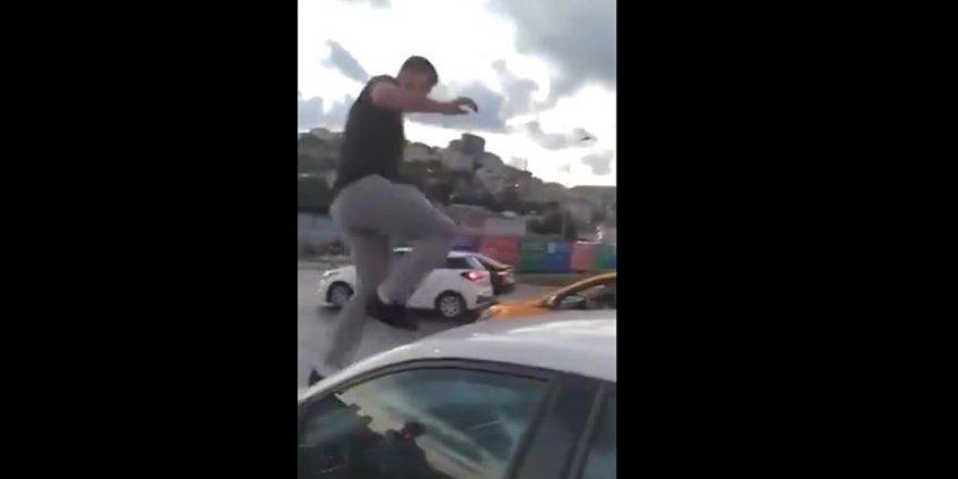 Alibeyköy'de trafikte kadın sürücüye saldıran kişi tutuklandı