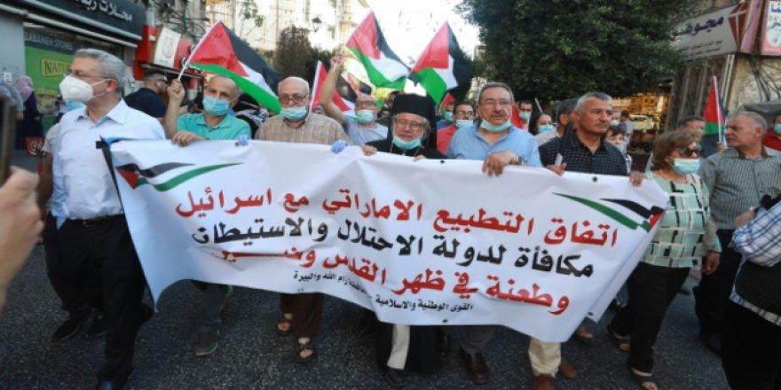 İsrail-BAE anlaşması Batı Şeria'da protesto edildi