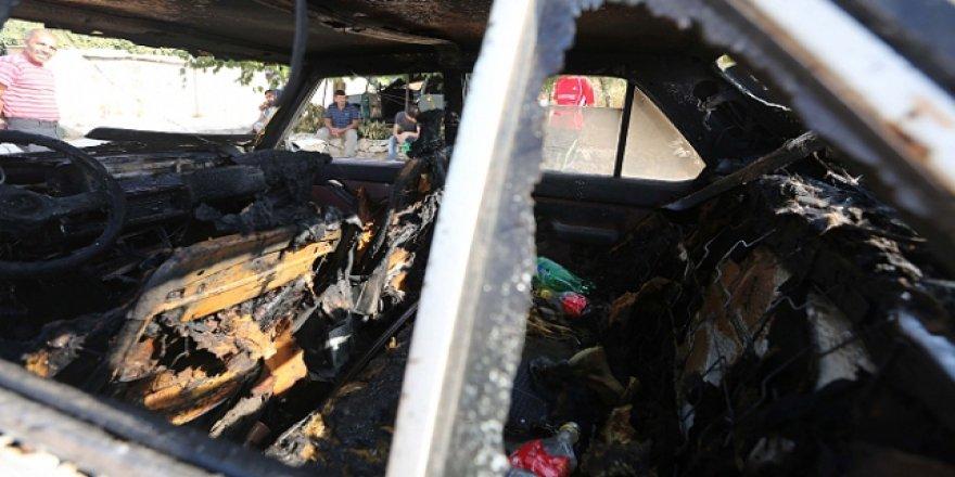 Yahudi İşgalciler Doğu Kudüs'te Filistinlilerin araçlarını yaktı