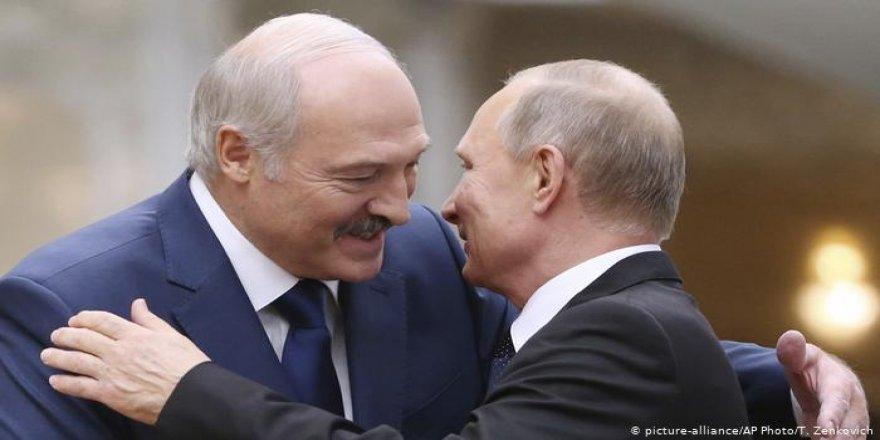 Belarus Batı'ya mı Rusya'ya mı yakın?