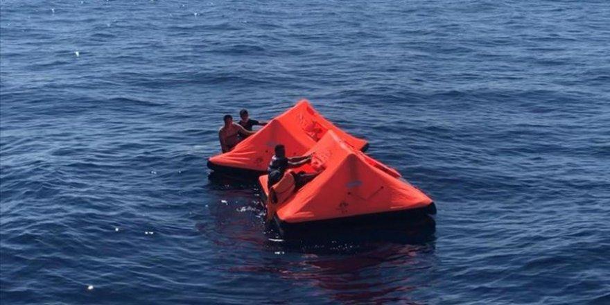 Yunanistan'ın İzmir'e sürdüğü 41 sığınmacı kurtarıldı