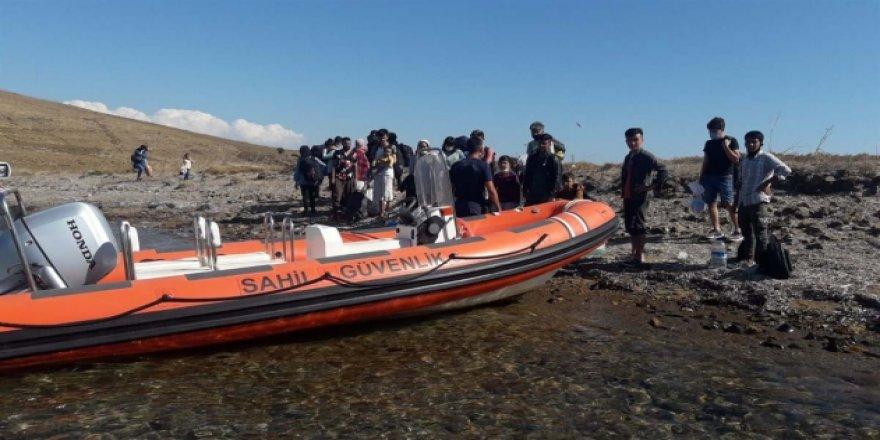 Yunanistan'ın ölüme terk ettiği 25 sığınmacı kurtarıldı