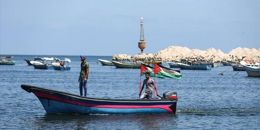 Filistin direniş gruplarından Gazzeli balıkçıları koruyacağız mesajı