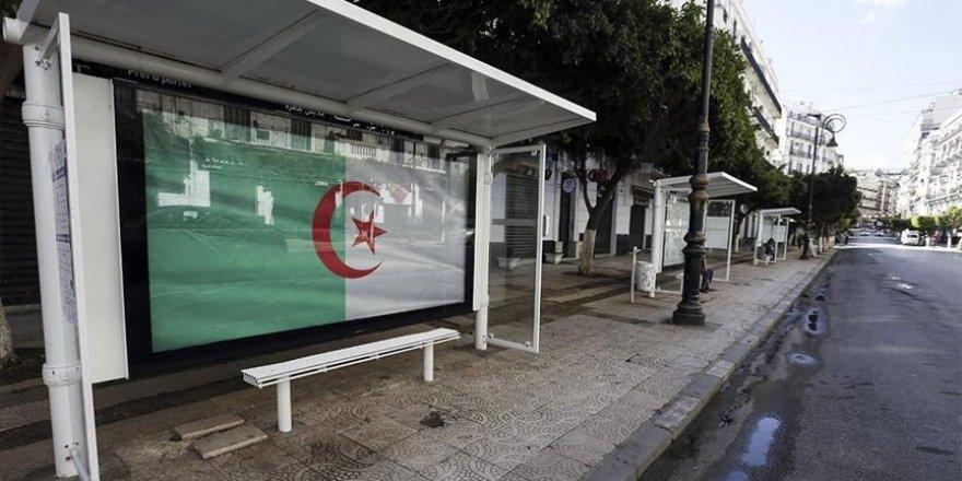 Cezayir'de anayasa değişikliği referandumu 1 Kasım'da yapılacak