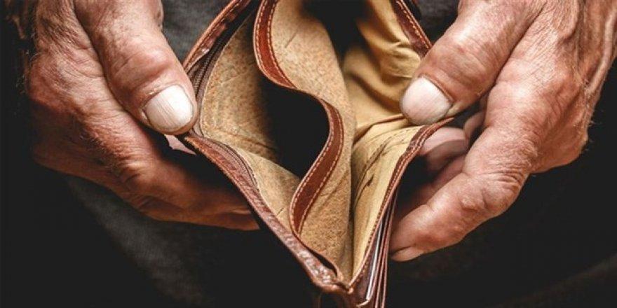 4 kişilik bir ailenin açlık sınırı 2 bin 384 lira oldu