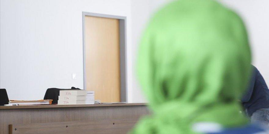 Almanya'da başörtülü öğretmenin hukuk zaferi