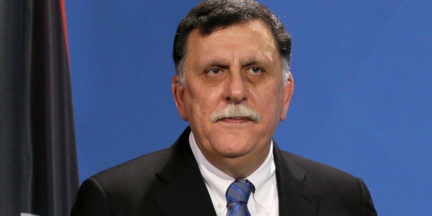 Libya Başbakanı Serrac, yeni Savunma Bakanı ve Genelkurmay Başkanı atadı
