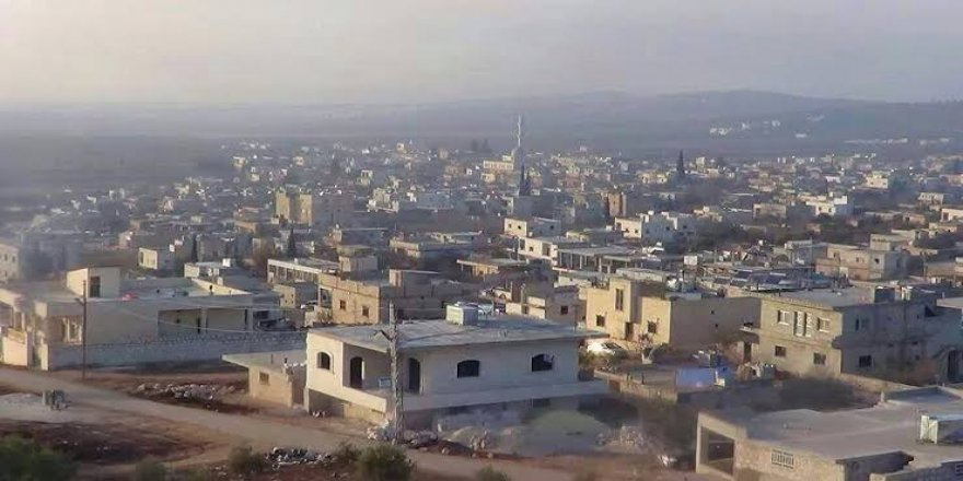 Tahriruş-Şam Atme beldesinde protestolara katılan kadınları tutuklama haberini yalanlıyor
