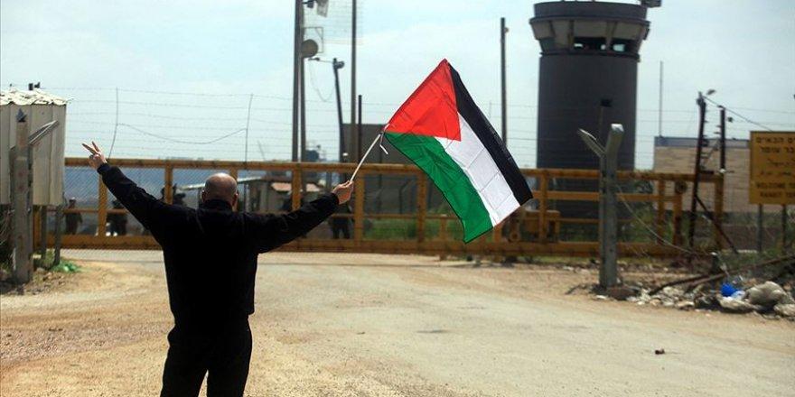 Siyonist İsrail güçleri Filistinli tutsaklara saldırdı