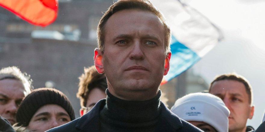 Almanya, Rus muhalif Aleksey Navalny'nin sinir gazı Noviçok ile zehirlendiğini açıkladı