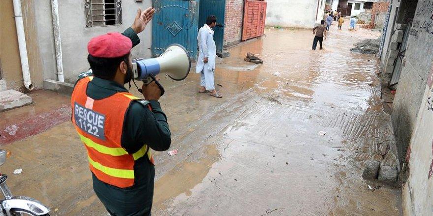 Pakistan'daki aşırı yağışlarda ölü sayısı 48'e yükseldi