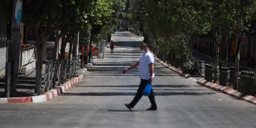 Filistin'de olağanüstü hal koronavirüs nedeniyle 1 ay daha uzatıldı