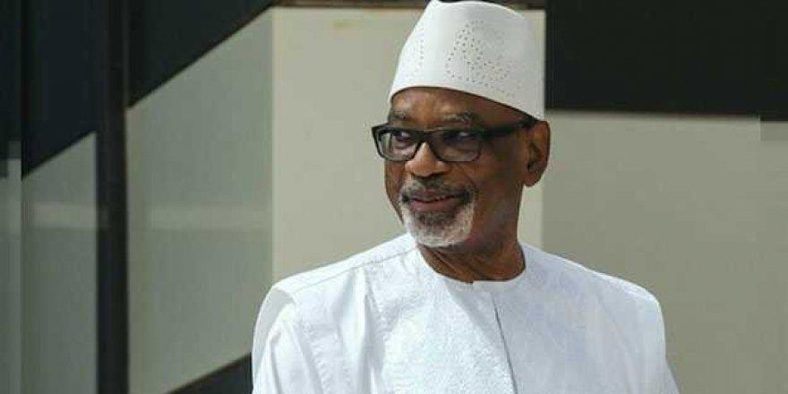Mali'nin devrik lider Keita ülkesini terk etti