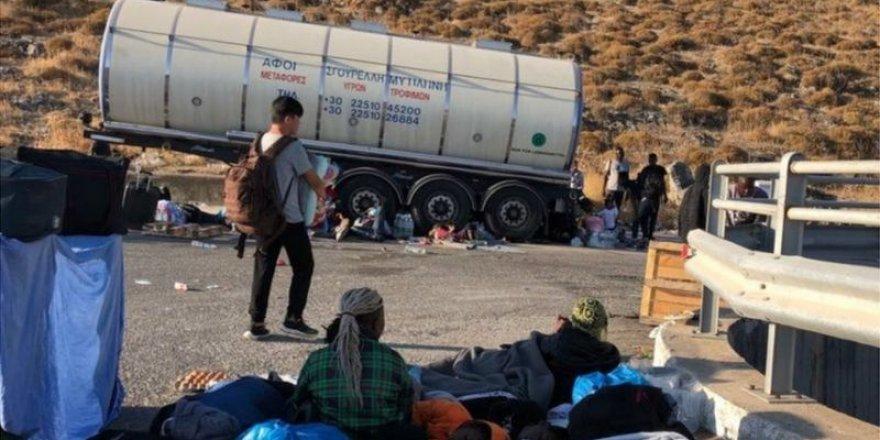 Midilli'de yanan Moria mülteci kampından 400 çocuğu Avrupa ülkeleri alıyor