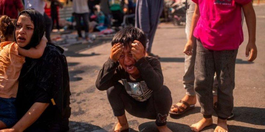 Midilli'de yeni kamp istemeyen mültecilere polis müdahalesi