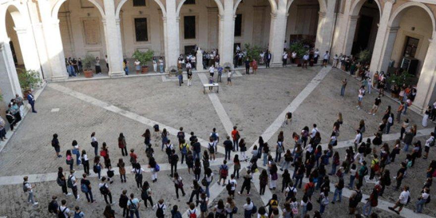 İtalya'da 5,6 milyon öğrenci dersbaşı yaptı