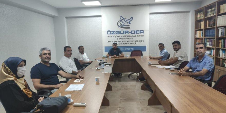 Özgür-Der Diyarbakır şube başkanlığını Murat Koç devraldı