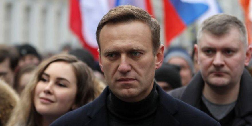 Zehirlenen Rus muhalif Navalni, Rusya'ya geri dönecek