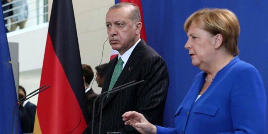 Cumhurbaşkanı Erdoğan'dan Merkel'e Doğu Akdeniz çağrısı: Avrupa adil ve tutarlı olsun