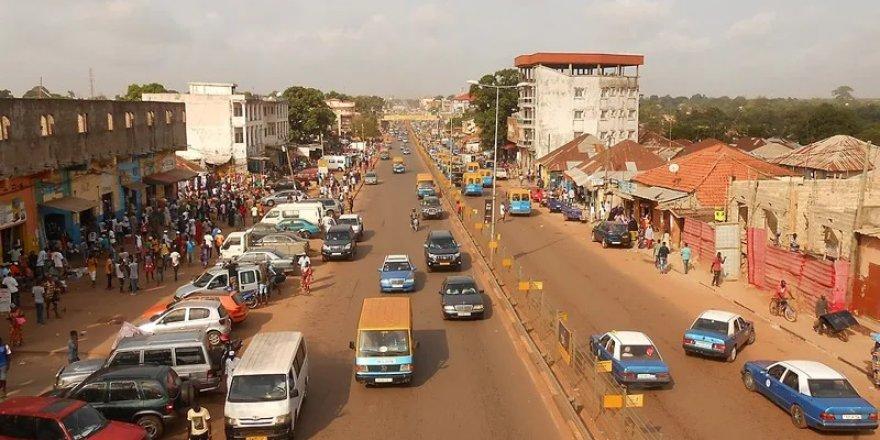 Gine'de muhalefet sokağa inmeye hazırlanıyor