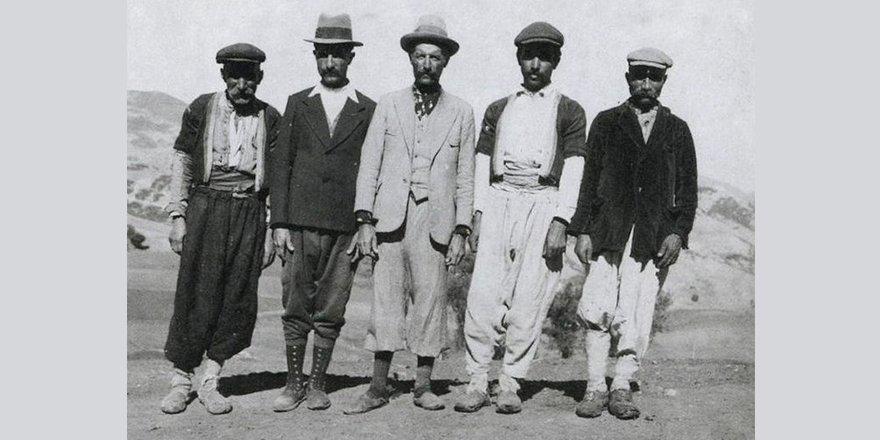 Şapka giymemek için direnenlerden Atatürk'ü hasretle anan Müslümanlara