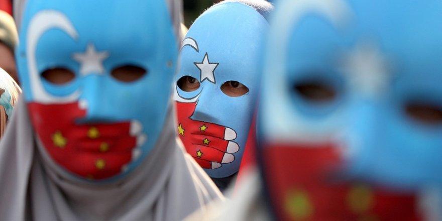 Çin'in Müslüman Uygurlara yönelik bir diğer soykırım yöntemi: 'Kuzenler'