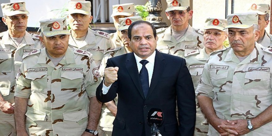 Mısırlı araştırmacı: Ordu Sisi'ye darbe yapabilir