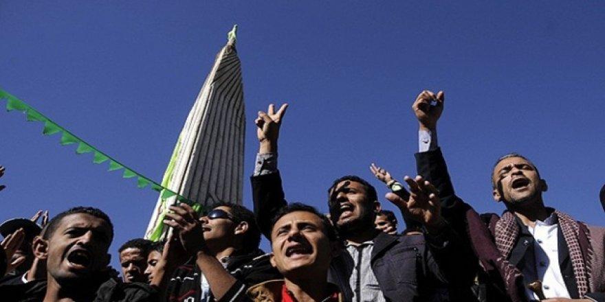 Yemen'de ihanet anlaşması protesto edildi
