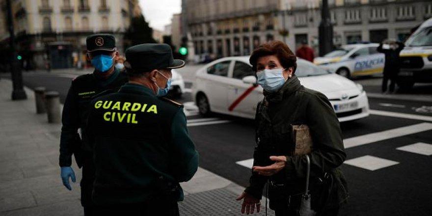 İspanya'da Kovid-19 vakalarındaki artış 77 belediyede serbest dolaşıma kısıtlama getirdi