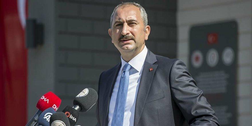 Adalet Bakanı'ndan hukukçulara: Anayasadan başka hiç kimseden talimat almayın