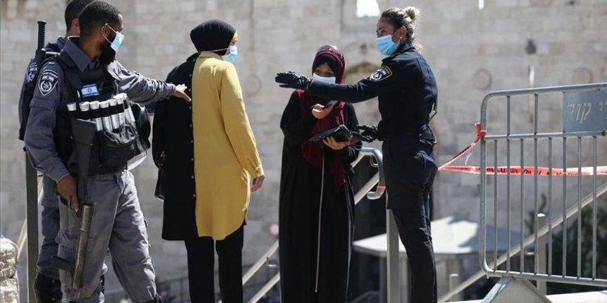 Siyonistler Kovid-19 gerekçesiyle Filistinlilerin Mescid-i Aksa'ya ulaşmalarını engelledi