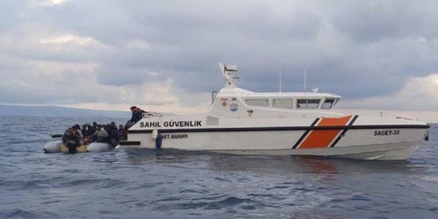 Türkiye Sahil Güvenliği'nin göçmenleri kurtarma operasyonu dünya basınında