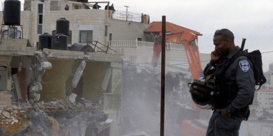 Siyonistler 2020'de Filistinlilere ait 500'den fazla yapıyı yıktı