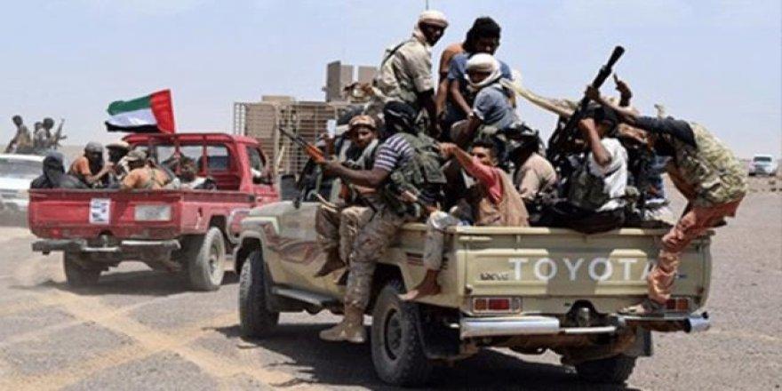 BAE destekli güçler, Sokotra'da savaşması için 1000'den fazla kişiyi silahlandırdı