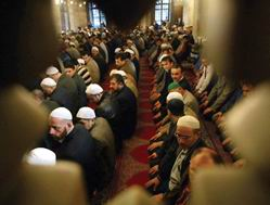 İslam Kardeşliği Yetmez mi?