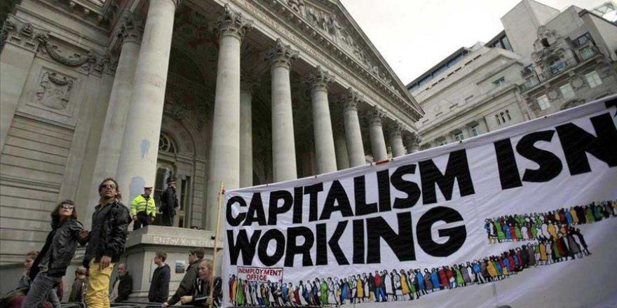 İngiliz hükümetinden okullarda 'kapitalizm karşıtı' kaynakların kullanılmaması uyarısı