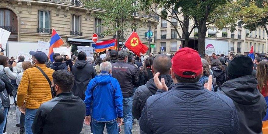 Paris'te PKK yandaşları ve Ermeniler birlikte gösteri düzenledi