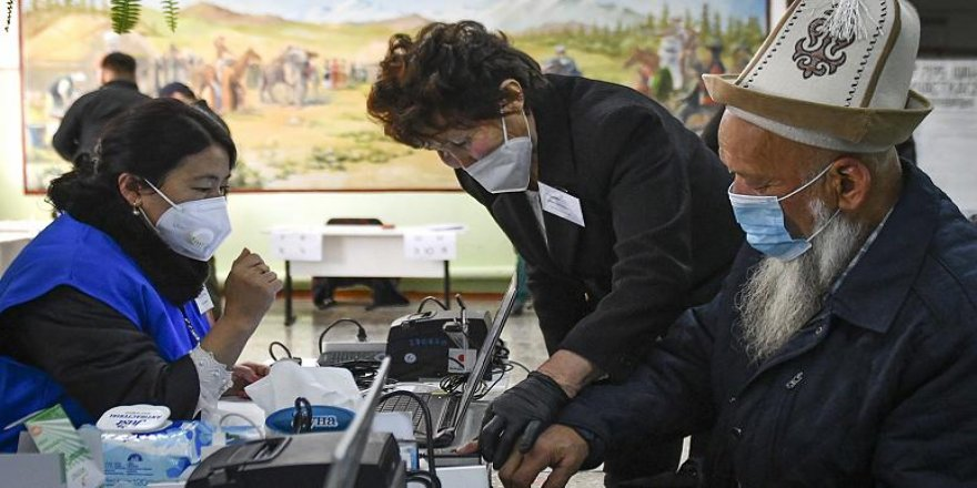 Kırgızistan'daki seçimlerde dört siyasi parti meclise girdi