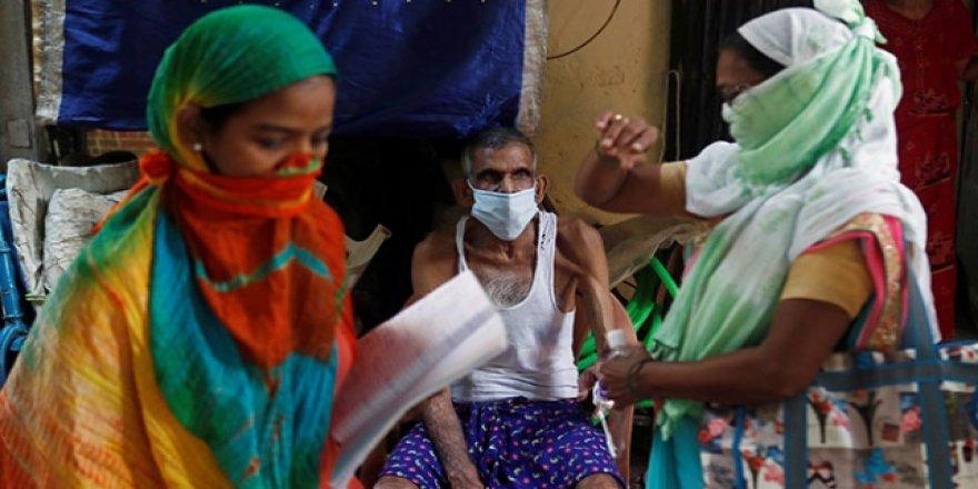 Hindistan'da son 24 saatte 903 can kaybı