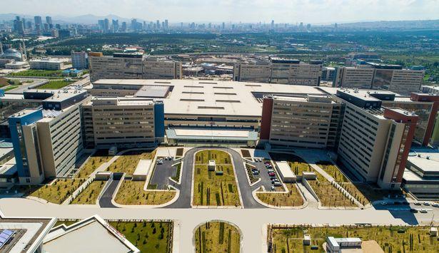 Çin'in Covid-19 aşısı Ankara Şehir Hastanesi'nde denenmeye başladı