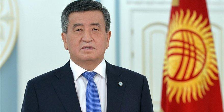 Kırgızistan Cumhurbaşkanı Bişkek'te olağanüstü hal ilan etti