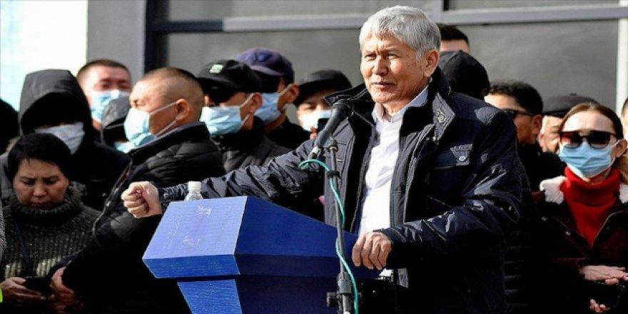 Eski Kırgızistan cumhurbaşkanı Atambayev ve destekçileri gözaltına alındı