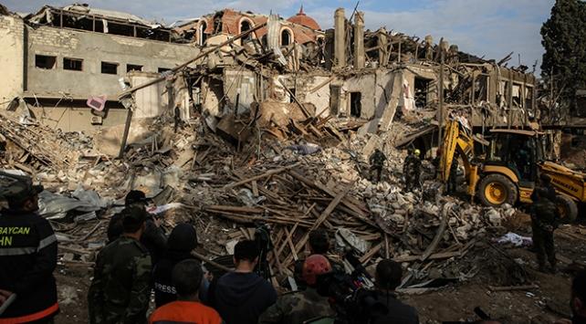Ermenistan yine Gence'yi vurdu: 9 sivil hayatını kaybetti