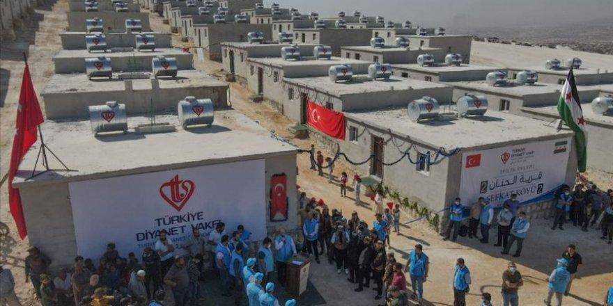 Türkiye Diyanet Vakfı tarafından İdlib'de yapılan 600 konut ailelere teslim edildi