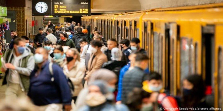 'Aşı bulunsa da maske, hijyen ve sosyal mesafe sürecek'
