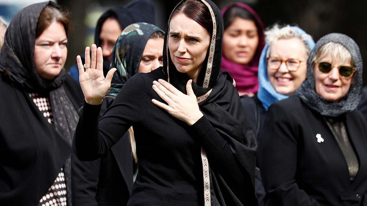 Müslümanlara karşı olumlu tavrıyla bilinen Ardern tek başına iktidar